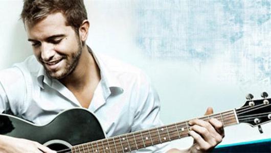 Pablo Alborán aporta su música a la Semana Santa (o No)