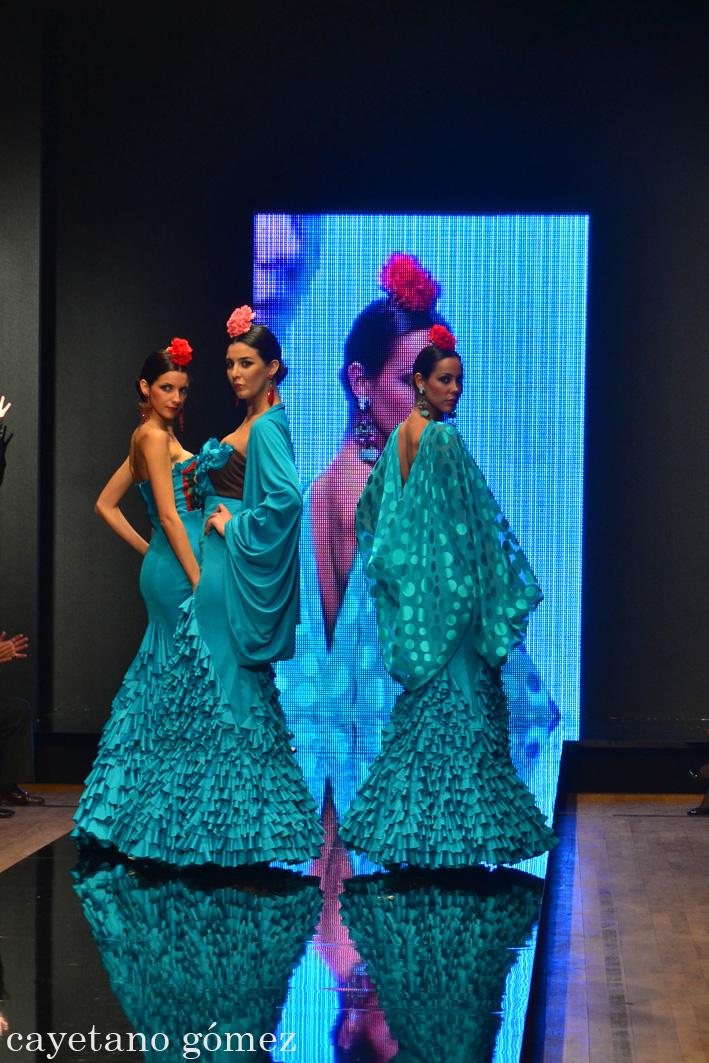 Pasarela Flamenca 2012: Amparo Macía «Únicas»