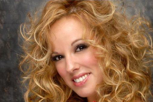 Todo los detalles del primer disco de Alejandra Rodríguez