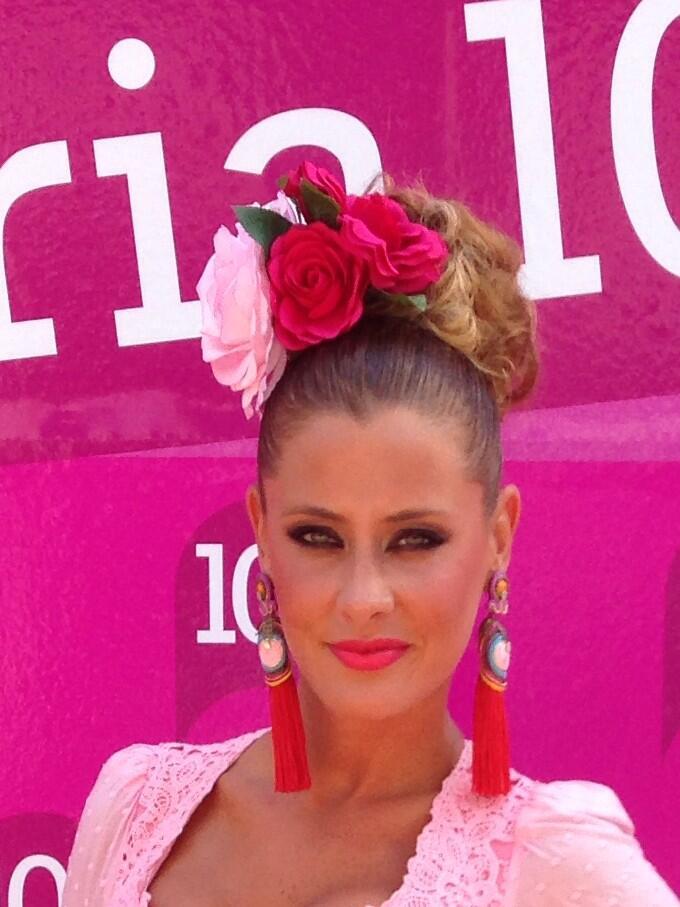Elisabeth Reyes de flamenca en la Feria de Málaga | CayeCruz