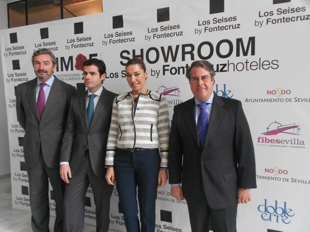 Gaspar Saez (Fibez), Hector Abuín (Hotel Fontecruz), Raquel Revuelta y Gregorio Serrano en la presentación ayer del showroom