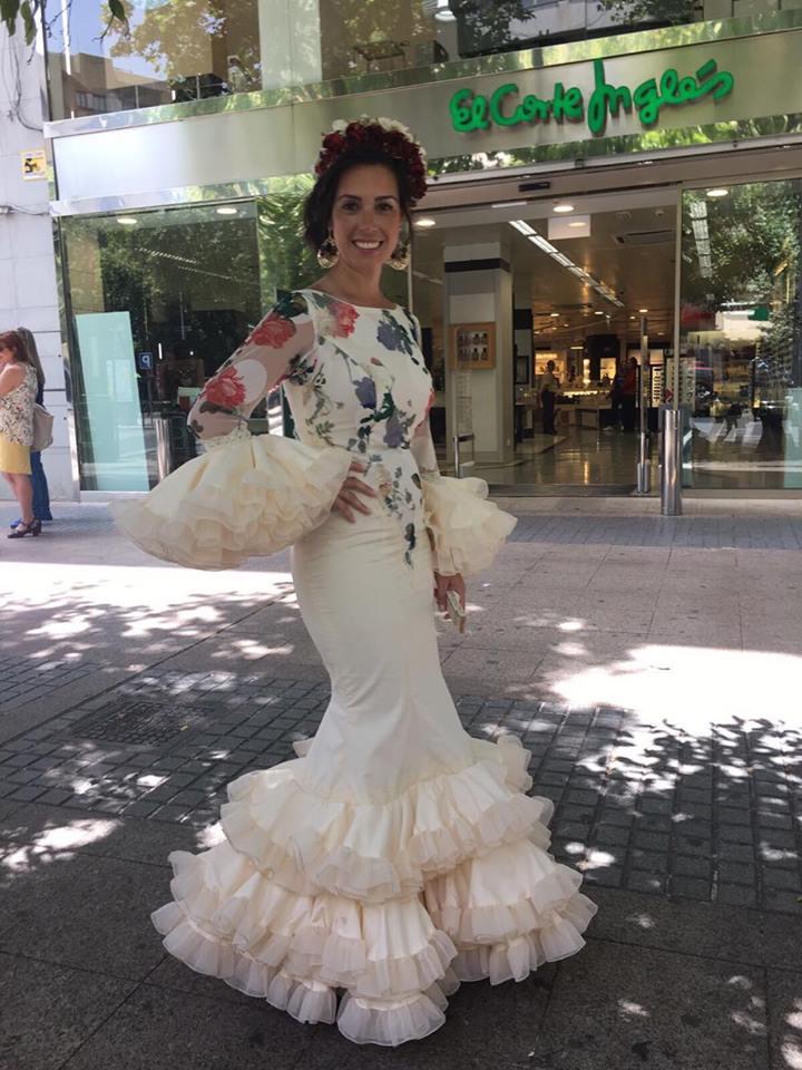 Flamencas en Feria 28 de mayo Feria Cordoba Susana González