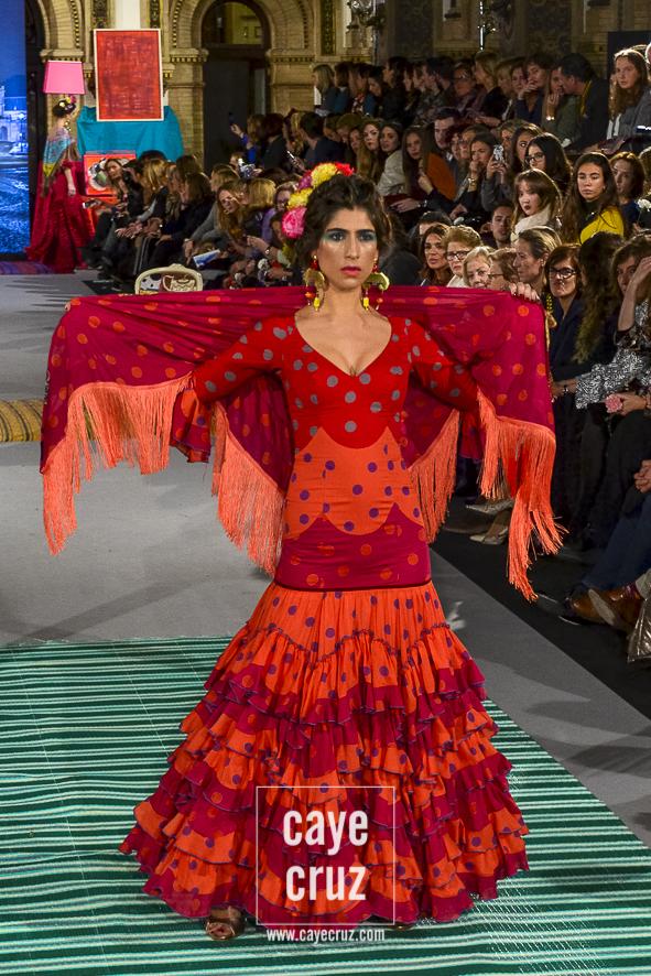 4b34fe833 Moda Flamenca para la Feria 2018: Lunares   CayeCruz