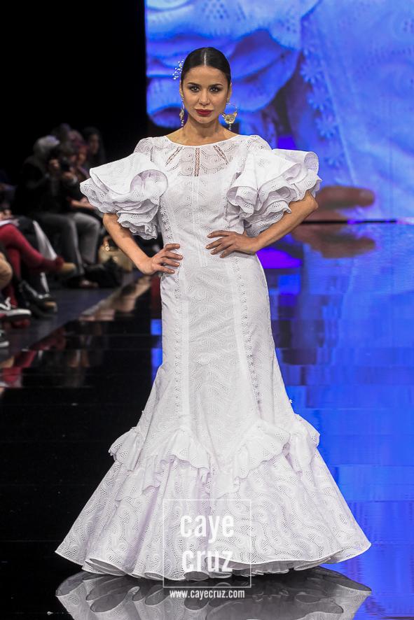 Vestidos de flamenca color blanco