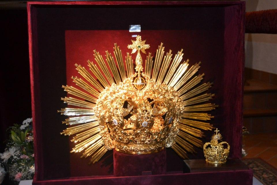 Presentado el Ajuar para la Coronación Pontificia de la Virgen del Castillo (Lebrija)