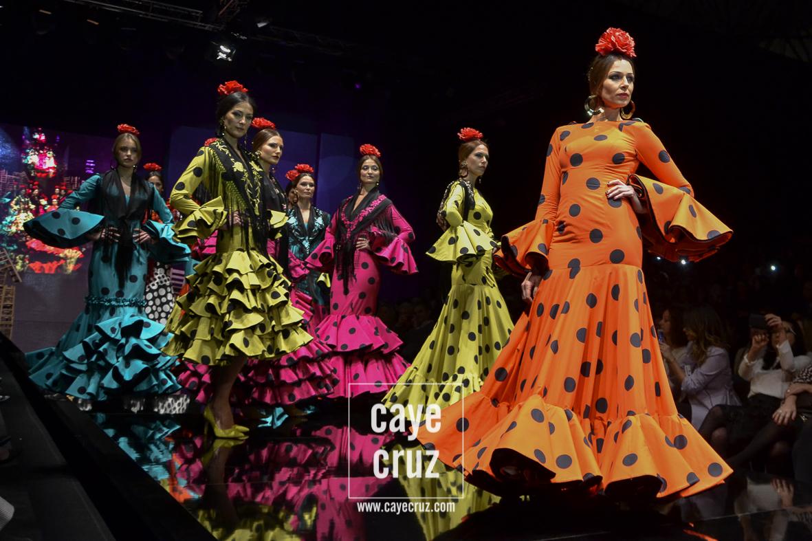 Flamenco y Flamencas: Tablas, Compás y Volantes